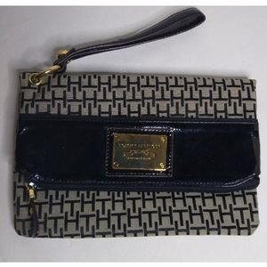 Tommy Hilfiger Logo Envelope Clutch Envelope purse